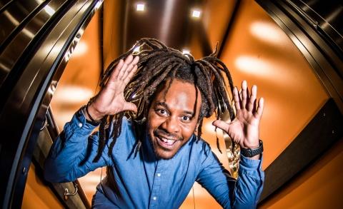 In de lift - Marlon Kicken