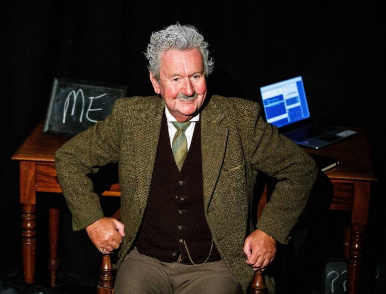 Einstein - Pip Utton