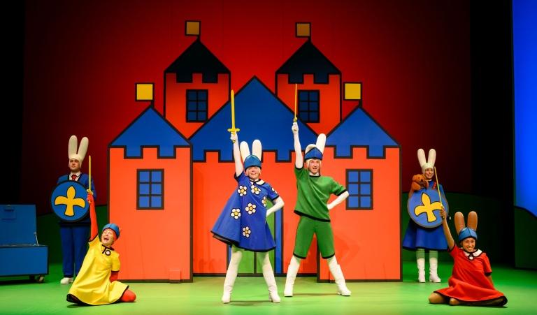 nijntje de musical - een ridder (c) annemieke van der togt.jpg