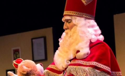 Vrolijke voorstelling over, met en door Sinterklaas - Tante houdt niet van Sinterklaas! 3+