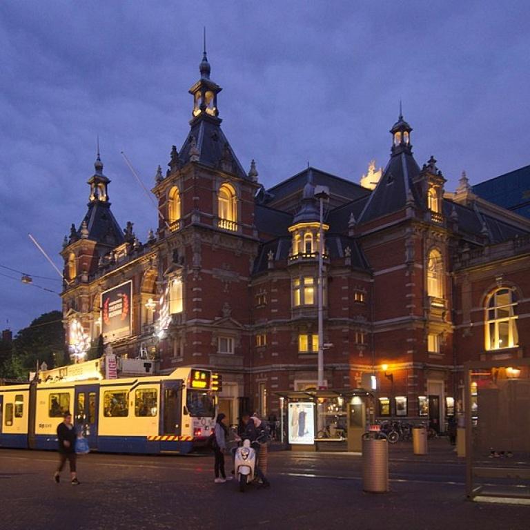 770px-Stadsschouwburg,_Amsterdam_2981.jpg
