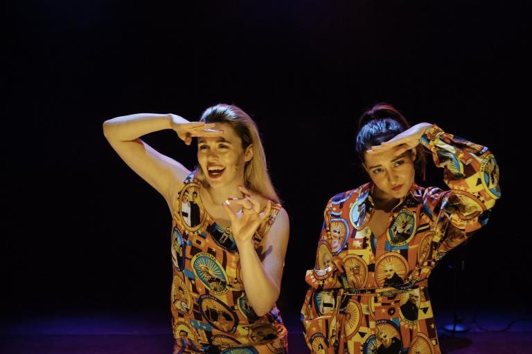Matroesjka-Brainwash-Scenefoto's-Robin-Alysha-Clemens (3).jpg